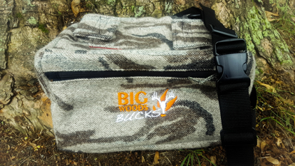 Picture of Big Woods Bucks Mid Size Fanny Pack - Gray Camo
